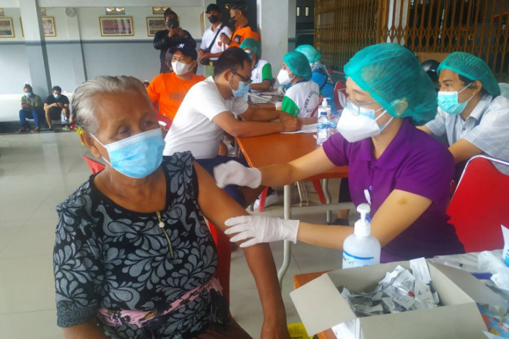 Pemkot Denpasar gelar vaksinasi dosis ke-2 sasar 1.418 orang