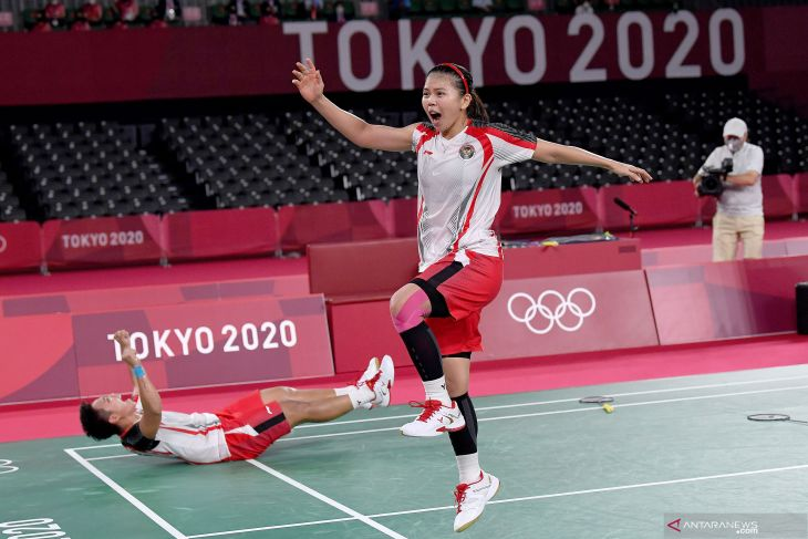 Olimpiade Tokyo: Presiden Jokowi sebut emas Greysia/Apriyani kado ulang tahun kemerdekaan