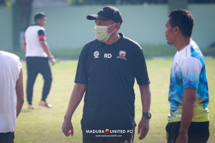 Skuad  Madura United bersiap geber latihan bersama