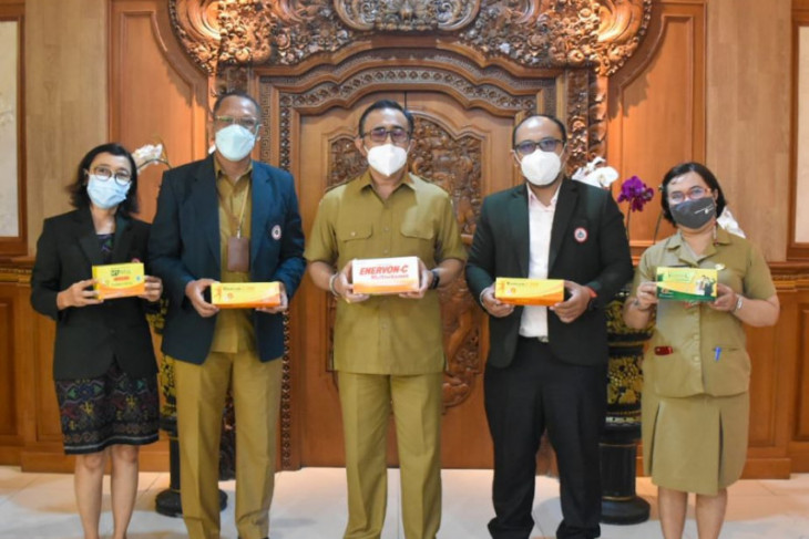 Pemkot Denpasar terima bantuan vitamin untuk COVID-19 dari IDI