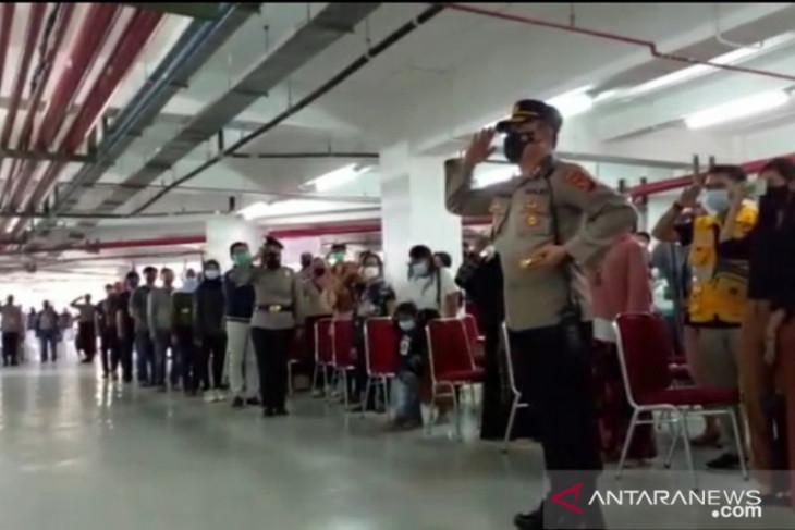 Polresta Bogor Kota laksanakan upacara bendera di lokasi vaksinasi massal