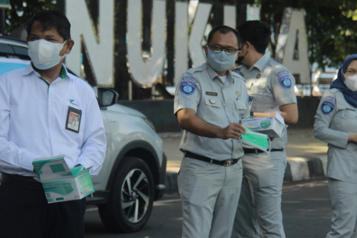 Forum BUMN Malut bagikan 1.000 masker di Kota Ternate begini penjelasannya