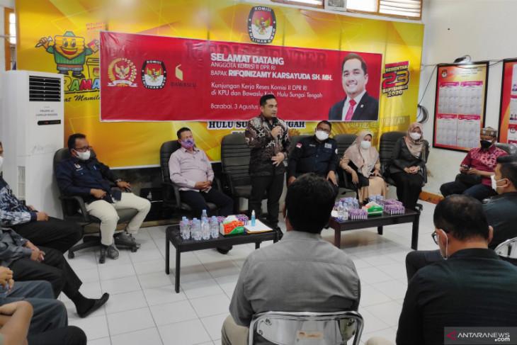 Dikunjungi Anggota DPR RI, KPU dan Bawaslu HST harapkan punya kantor milik sendiri