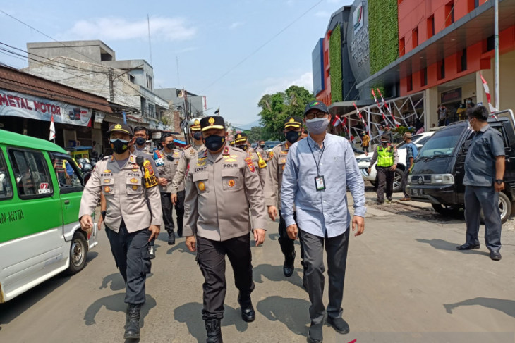 Wakapolda Jabar tinjau pelaksanaan prokes di Pasar rakyat Kota Bogor