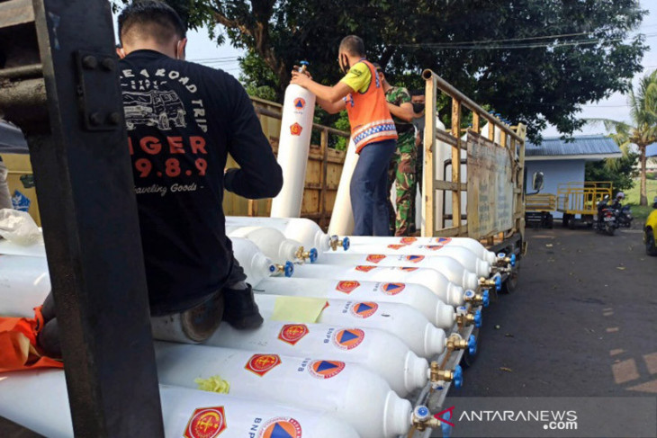 BNPB dispatches mask and oxygen assistance to West Papua