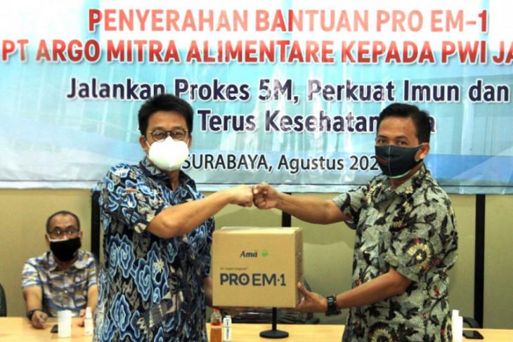 Cegah jurnalis terpapar COVID-19, produsen probiotik bantu Proem1 ke PWI Jatim