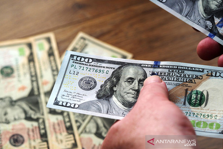 Dolar Jumat pagi naik ke tertinggi 3 minggu setelah penjualan ritel AS