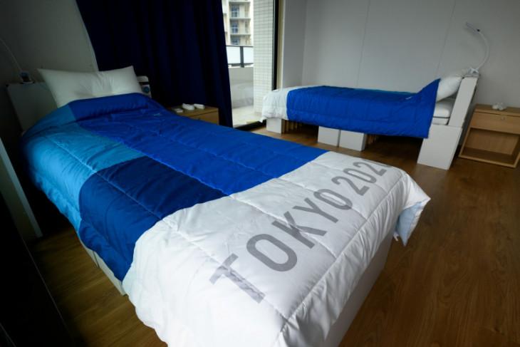 Atlet Australia rusak kamar tidur dan ribut di dalam pesawat