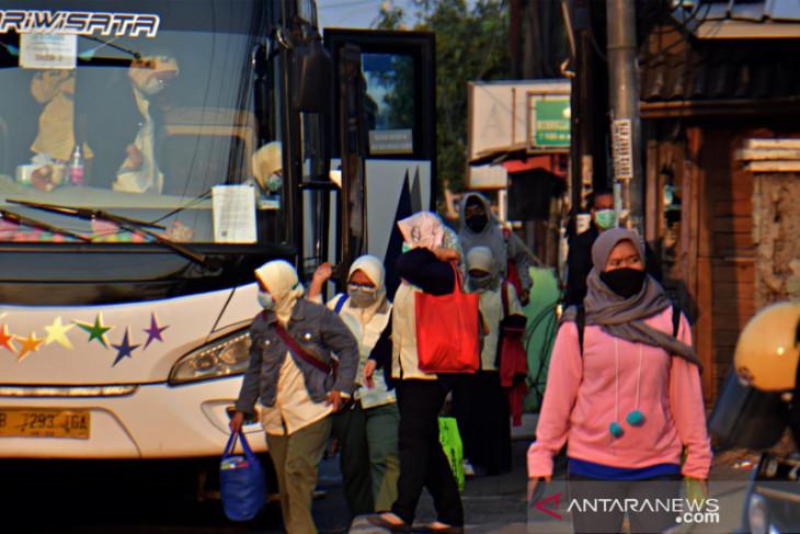 3.322 pekerja Bekasi diusulkan terima bantuan subsidi upah kelompok pertama