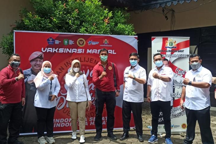 BIN, Health Office, Kadin vaccinate 1,000 residents in W Kalimantan