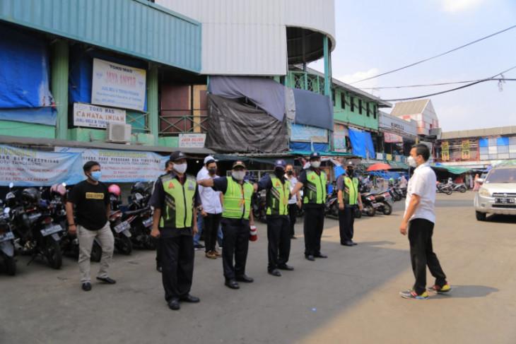 Pengawasan prokes di 10 pasar tradisional di Kota Tangerang ditingkatkan selama PPKM