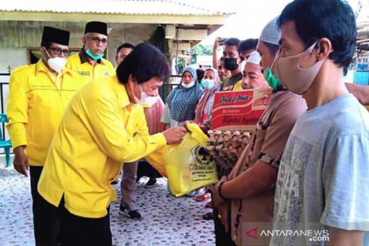 Golkar Tapanuli Selatan peduli korban kebakaran Pasar Batang Toru