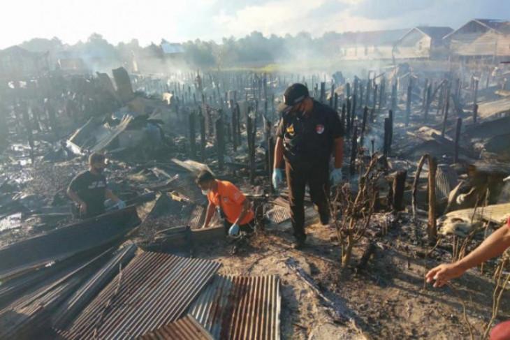Cekcok dengan istri, seorang pria nekat bakar rumah hingga hanguskan puluhan rumah lainnya