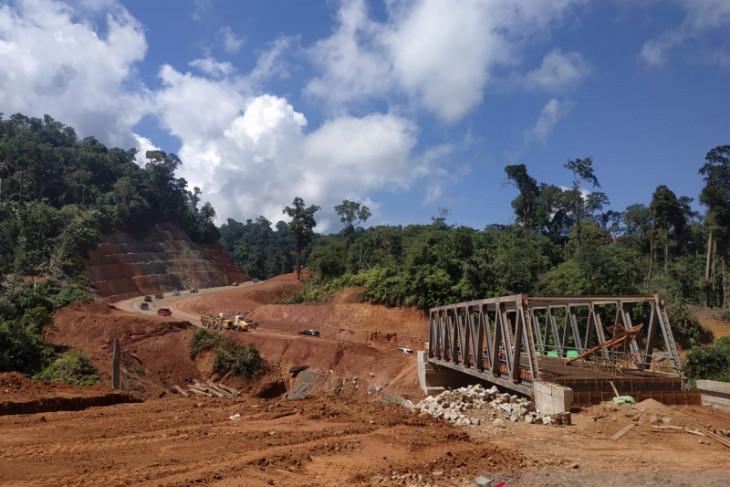 Ketua Komisi V dorong jalan Nanga Era Kalbar-Kaltim selesai Tahun 2024