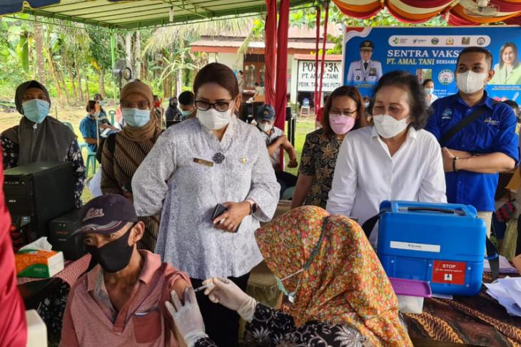 Pemkab Langkat dan Gapki gelar vaksinasi COVID untuk karyawan