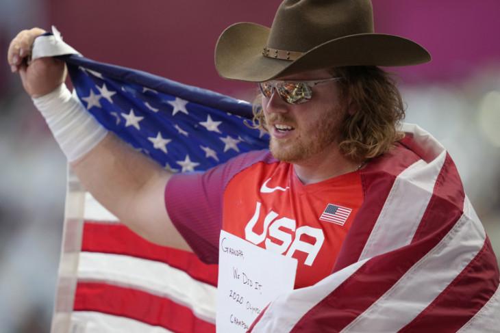 Olimpiade Tokyo, tiga kali cetak rekor Olimpiade Ryan Crouser rebut emas tolak peluru
