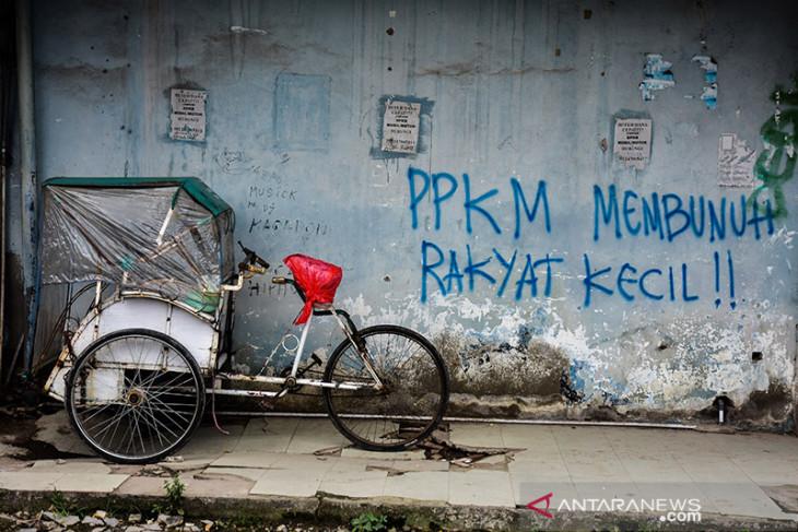 FOTO - Komunitas Maluku Peduli Donasi Ratusan Nasi Bungkus