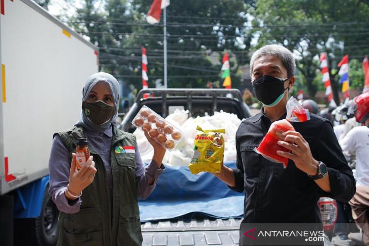 Empat korporasi beri bantuan 1.000 paket sembako untuk warga Kota Bogor