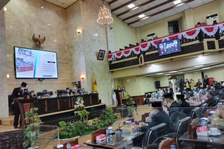 DPRD Kalsel umumkan pasangan gubernur/wagub setempat