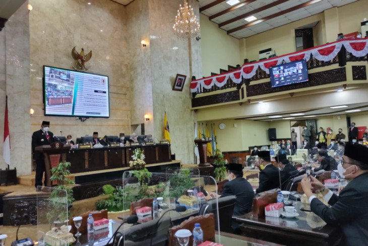 Acting governor assures oxygen supply sufficient for South Kalimantan
