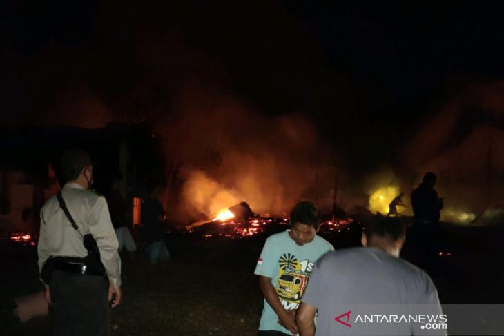 Polisi selidiki penyebab kebakaran empat rumah di Mukomuko