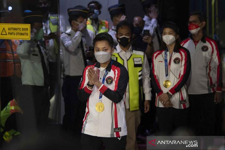 Rombongan terakhir tim Indonesia di Olimpiade Tokyo tiba di tanah air