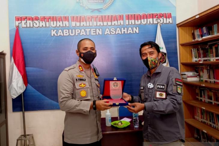 Kunjungi kantor PWI Asahan, Kapolres minta berkolaborasi edukasi masyarakat