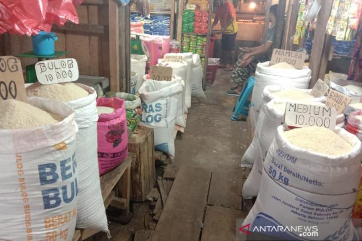 Harga kebutuhan pokok di Ambon tetap stabil saat PPKM