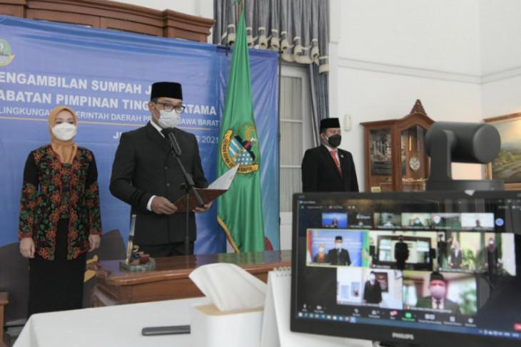 Ridwan Kamil merotasi tiga pejabat Pemprov Jabar