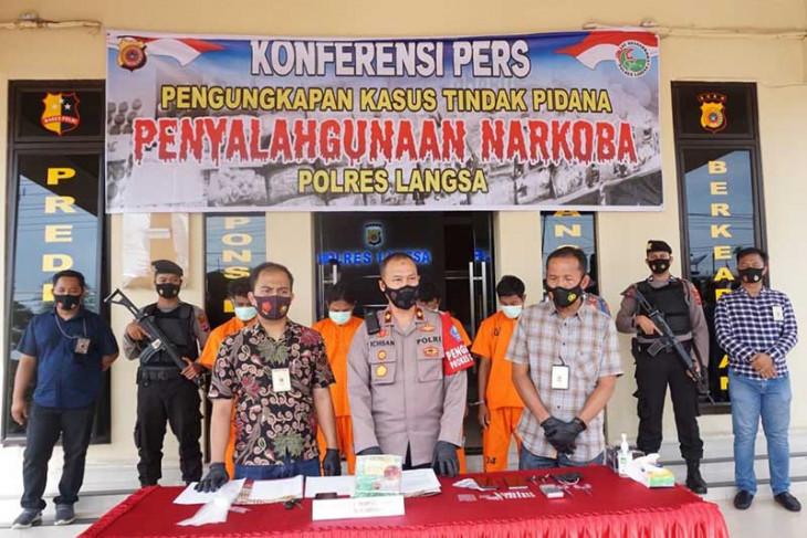 Polisi tangkap komplotan pengedar sabu-sabu