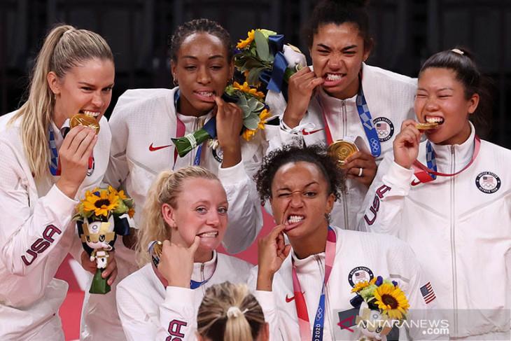Raihan tiga medali emas hari terakhir buat AS juara umum Olimpiade Tokyo
