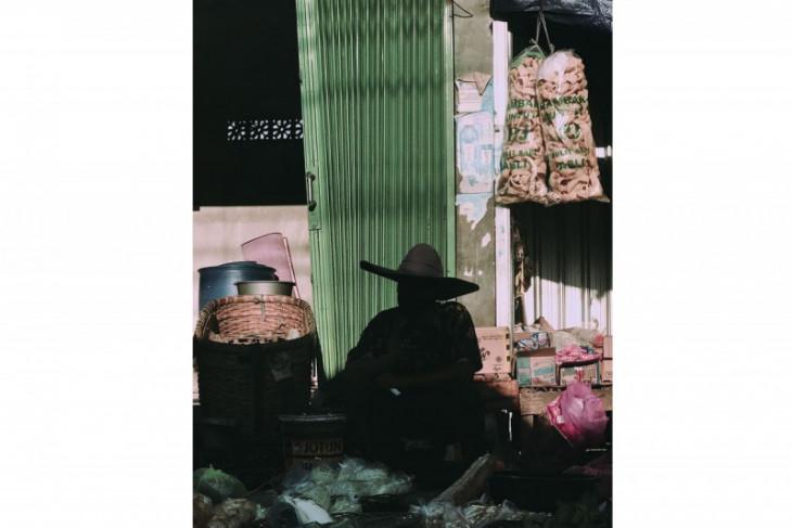 Kisah di balik foto pedagang Semarang di akun Instagram Apple