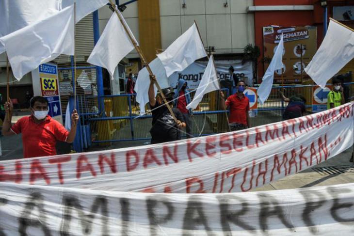 Pedagang Protes Kebijakan PPKM