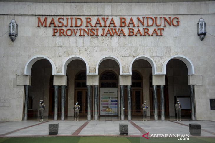 Shalat Jumat di Masjid Raya Bandung kembali digelar