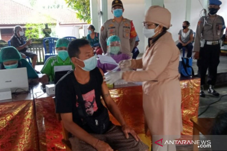 Polisi amankan vaksinasi massal II untuk 180 warga Tabanan