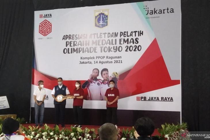 Gubernur DKI Jakarta serahkan hadiah rumah Rp3,3 miliar untuk Greysia-Apriyani