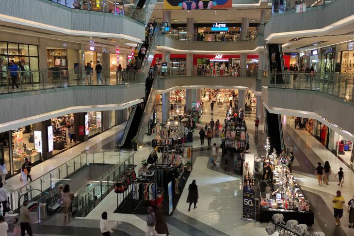 Pusat perbelanjaan di Batam mulai ramai
