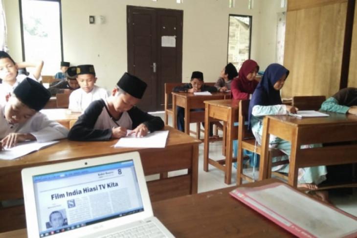 Ponpes Makhzanul Adzkia Pandeglang siap cetak santri pandai menulis