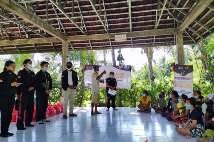 ACT-BEM Undiksha kirim 200 bantuan untuk masyarakat Kolok Bengkala