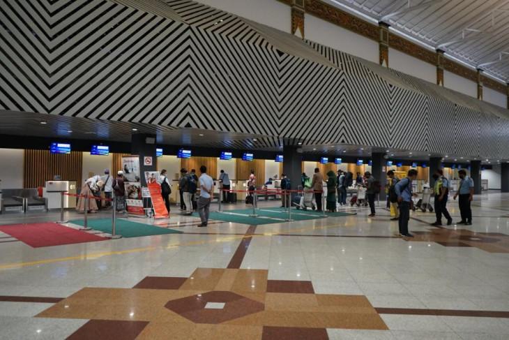 Jumlah  penumpang Bandara Juanda semester pertama turun 22 persen