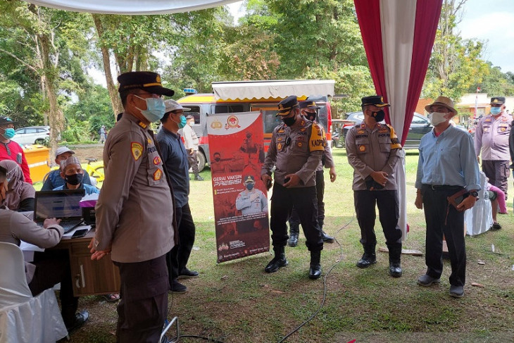 Polres Muaro Jambi gelar vaksinasi massal di kawasan  wisata Candi Muara Jambi