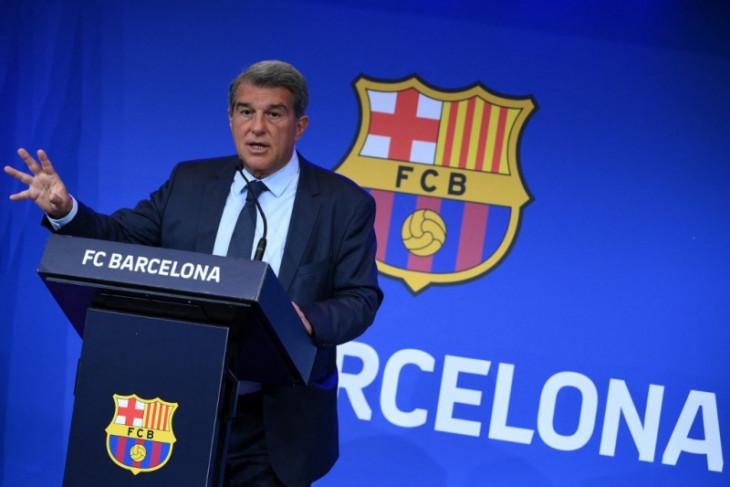 Presiden Barcelona Laporta jamin dalam waktu 18 bulan keuangan Barca sehat lagi