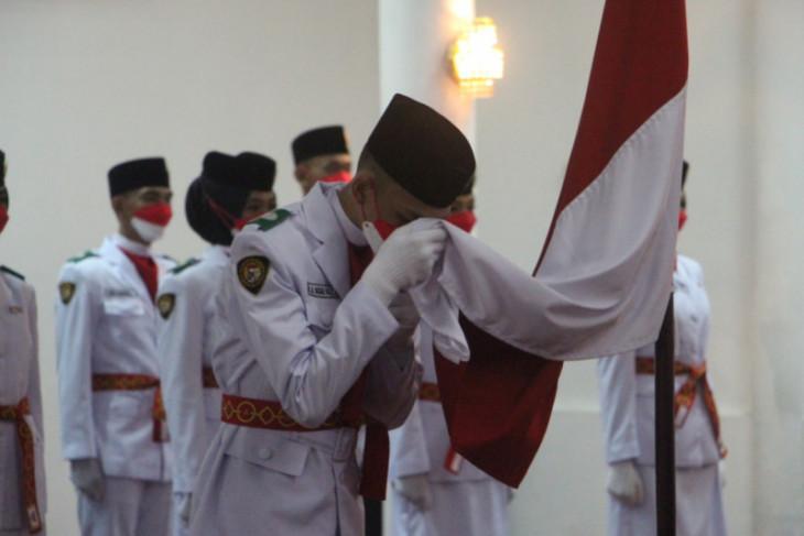 Wakil Bupati Paser kukuhkan 37 Anggota Paskibraka