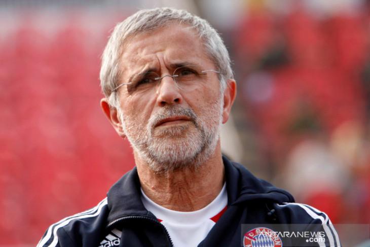 Bayern kenang mendiang Gerd Mueller