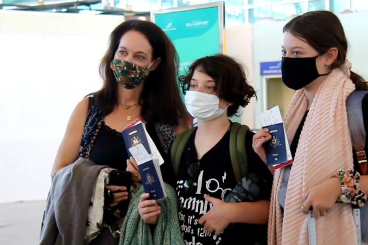 Ratusan WNA Australia tinggalkan Bali