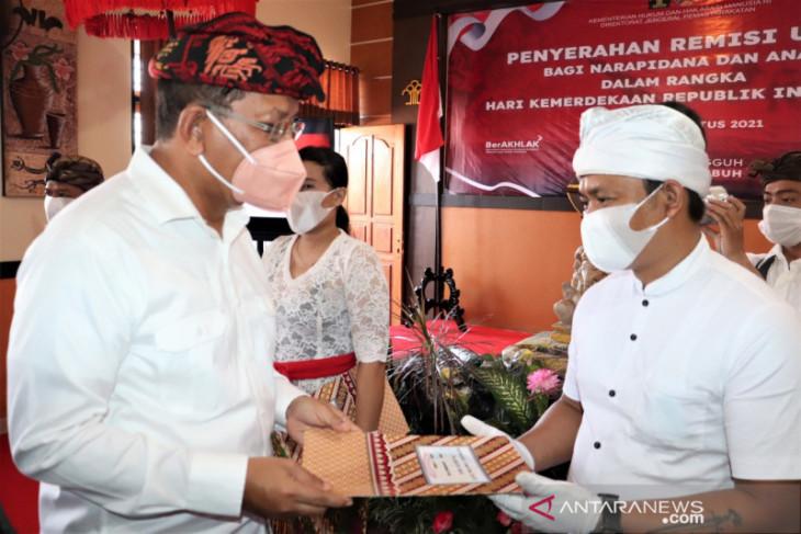 158 warga binaan Lapas Singaraja terima remisi kemerdekaan
