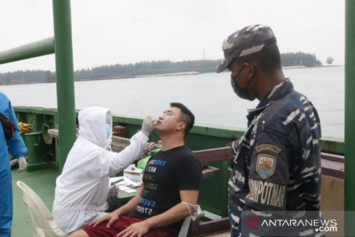 Lanal Bengkulu periksa kesehatan sembilan ABK kapal Malaysia