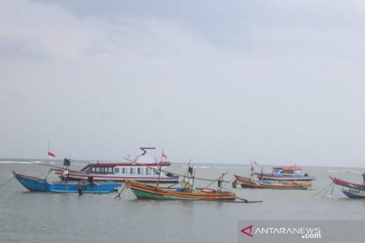 Akibat cuaca buruk, nelayan Bengkulu terpaksa tak melaut