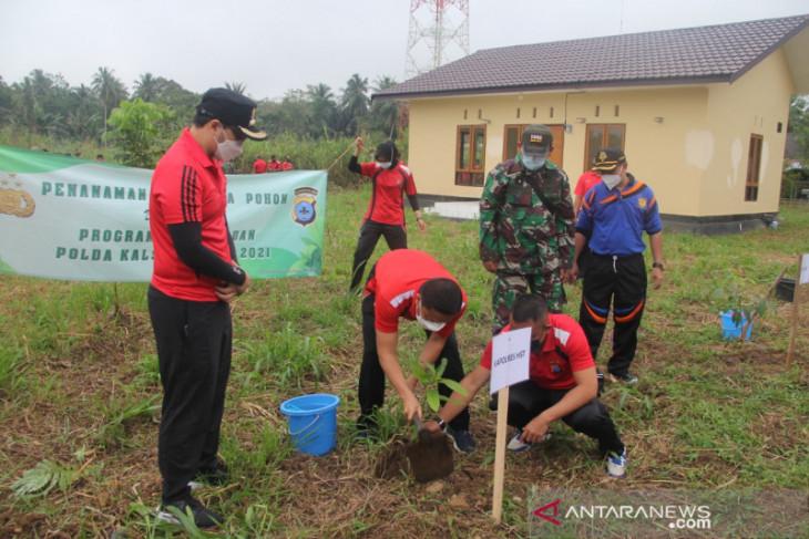Seribu pohon ditanam untuk pelestarian lingkungan di HST