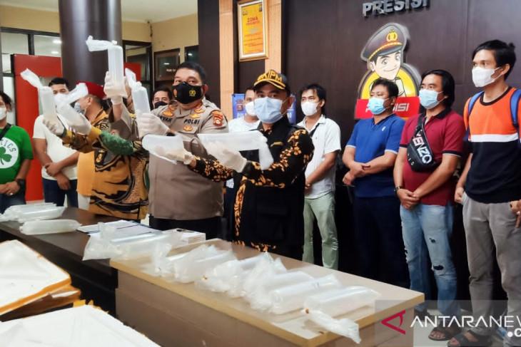 Polisi Pelambang temukan benih lobster senilai Rp11 milar di mobil tak bertuan
